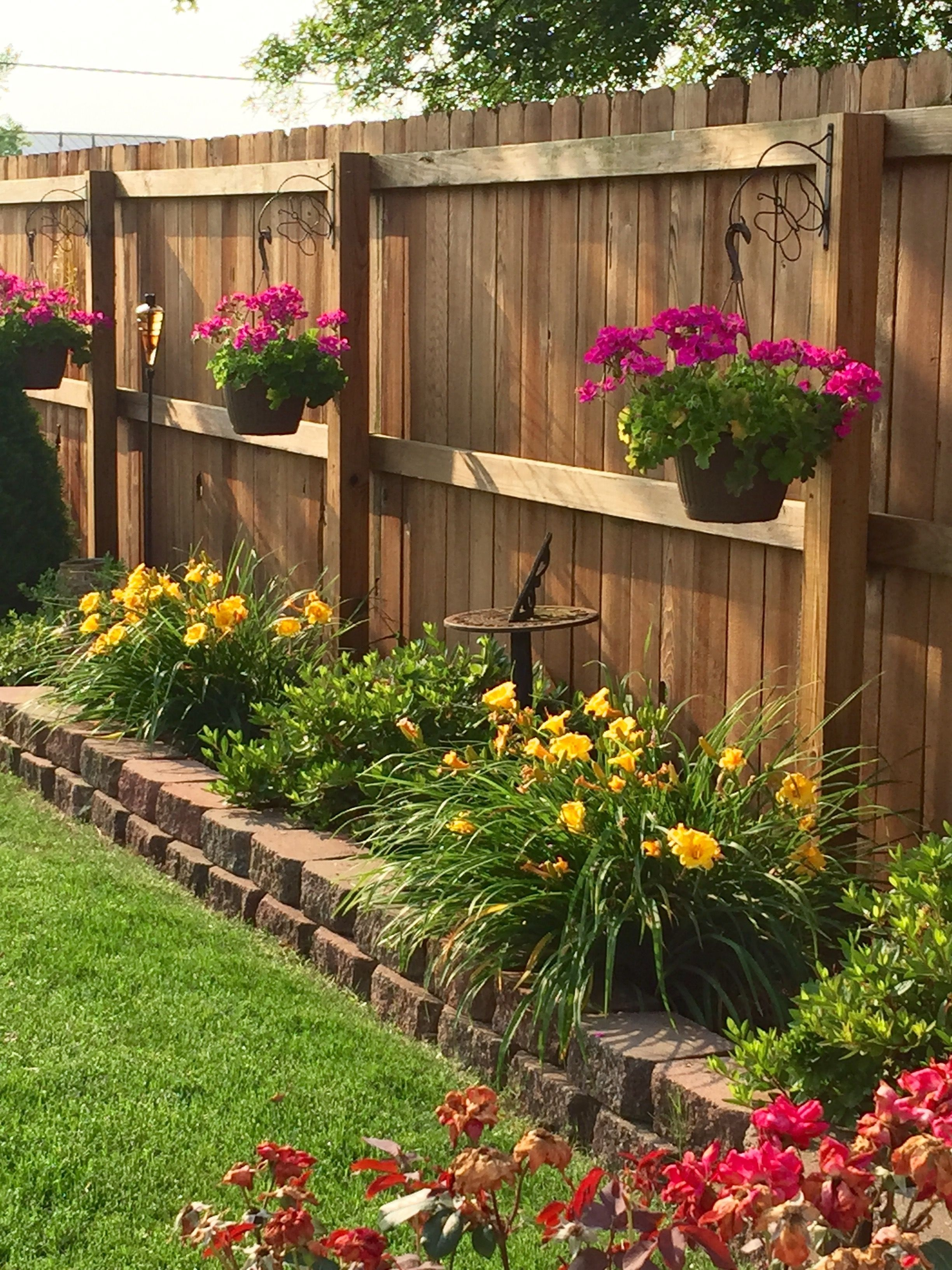 Cheap Front Yard Landscaping Ideas That Will Inspire 06