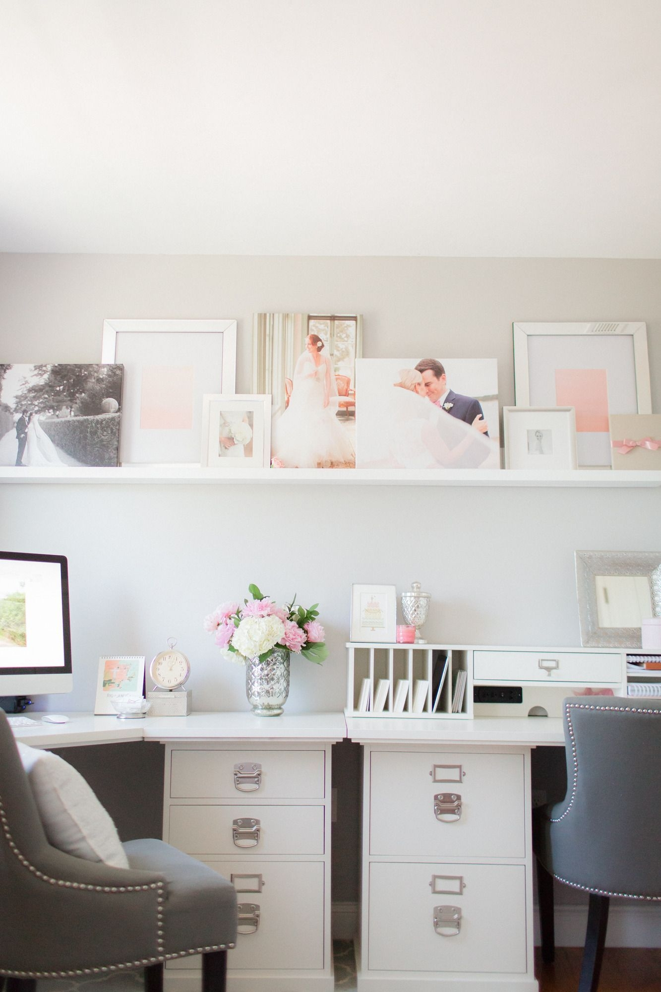 Cozy And Elegant Office Décor Ideas 38