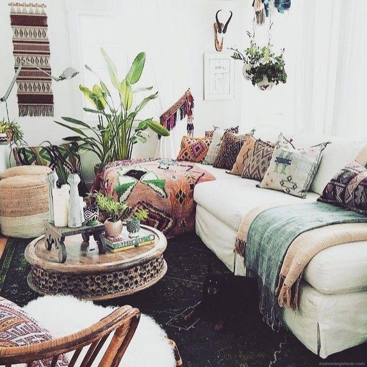 Cozy Bohemian Living Room Design Ideas 39