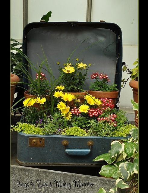 Cozy Decorative Garden Planters Design Ideas 04
