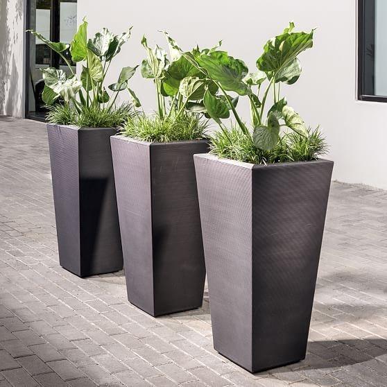 Cozy Decorative Garden Planters Design Ideas 27