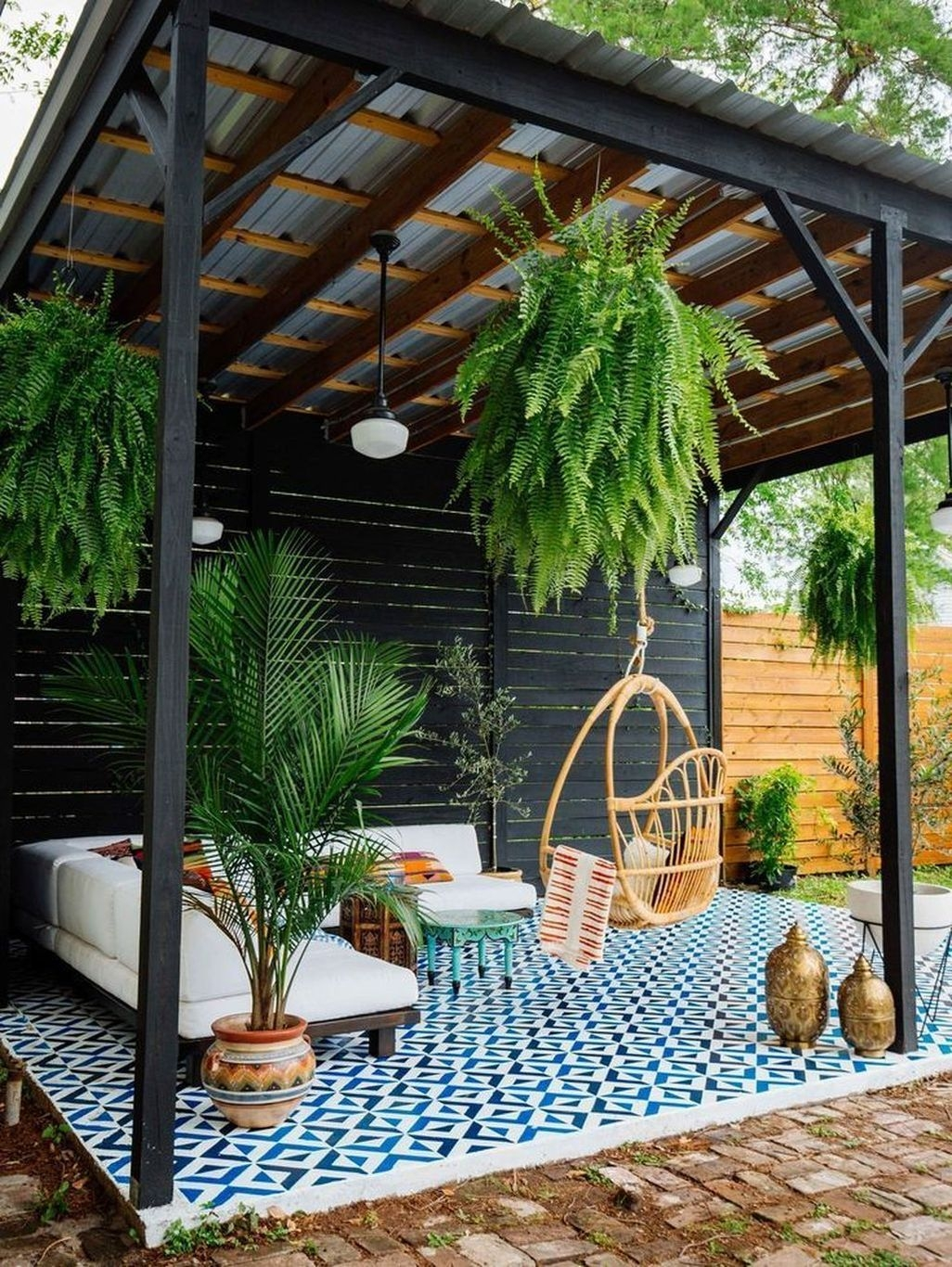 Creative DIY Patio Gardens Ideas On A Budget 23