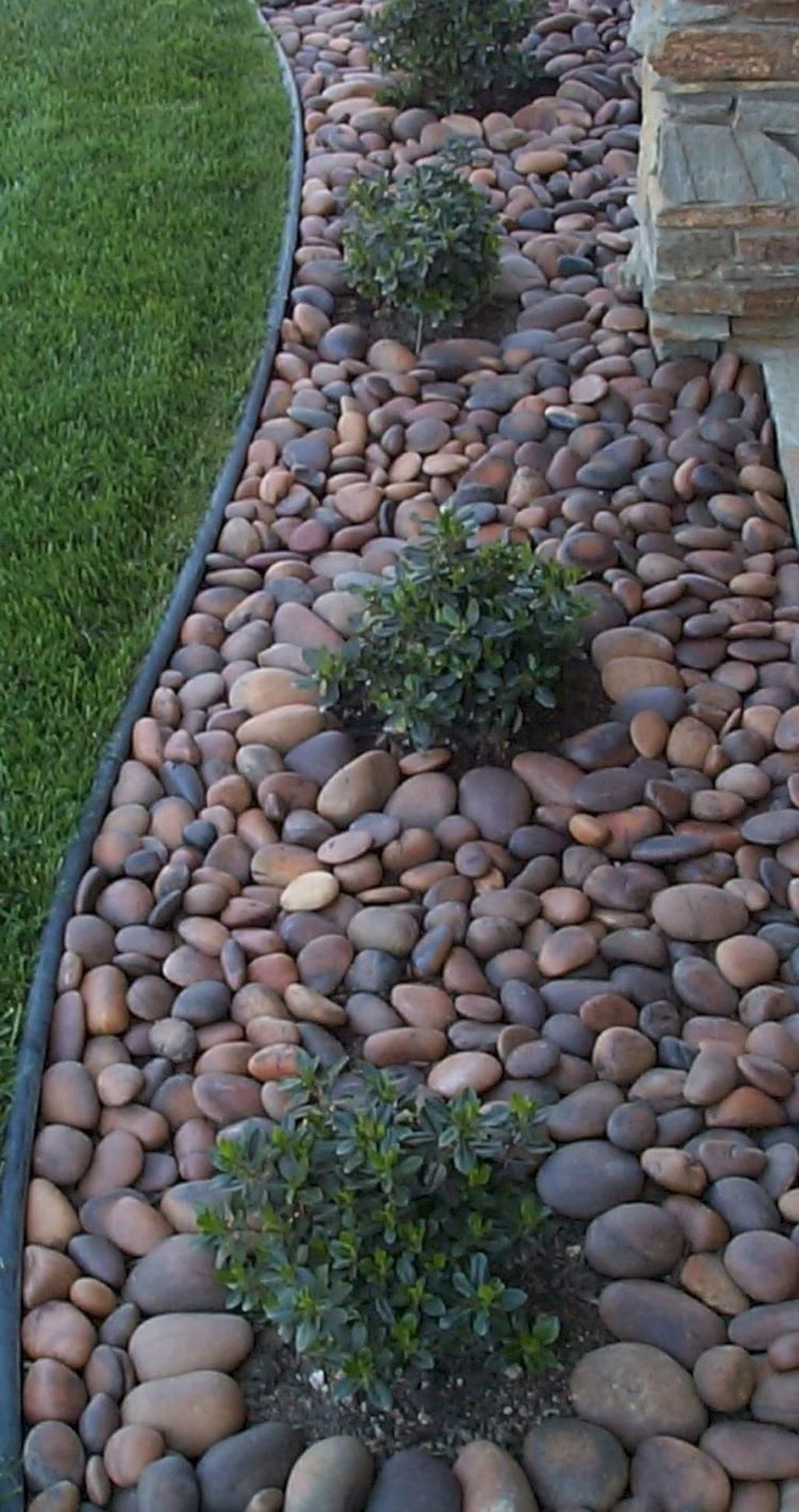 Easy And Low Maintenance Front Yard Landscaping Ideas 12