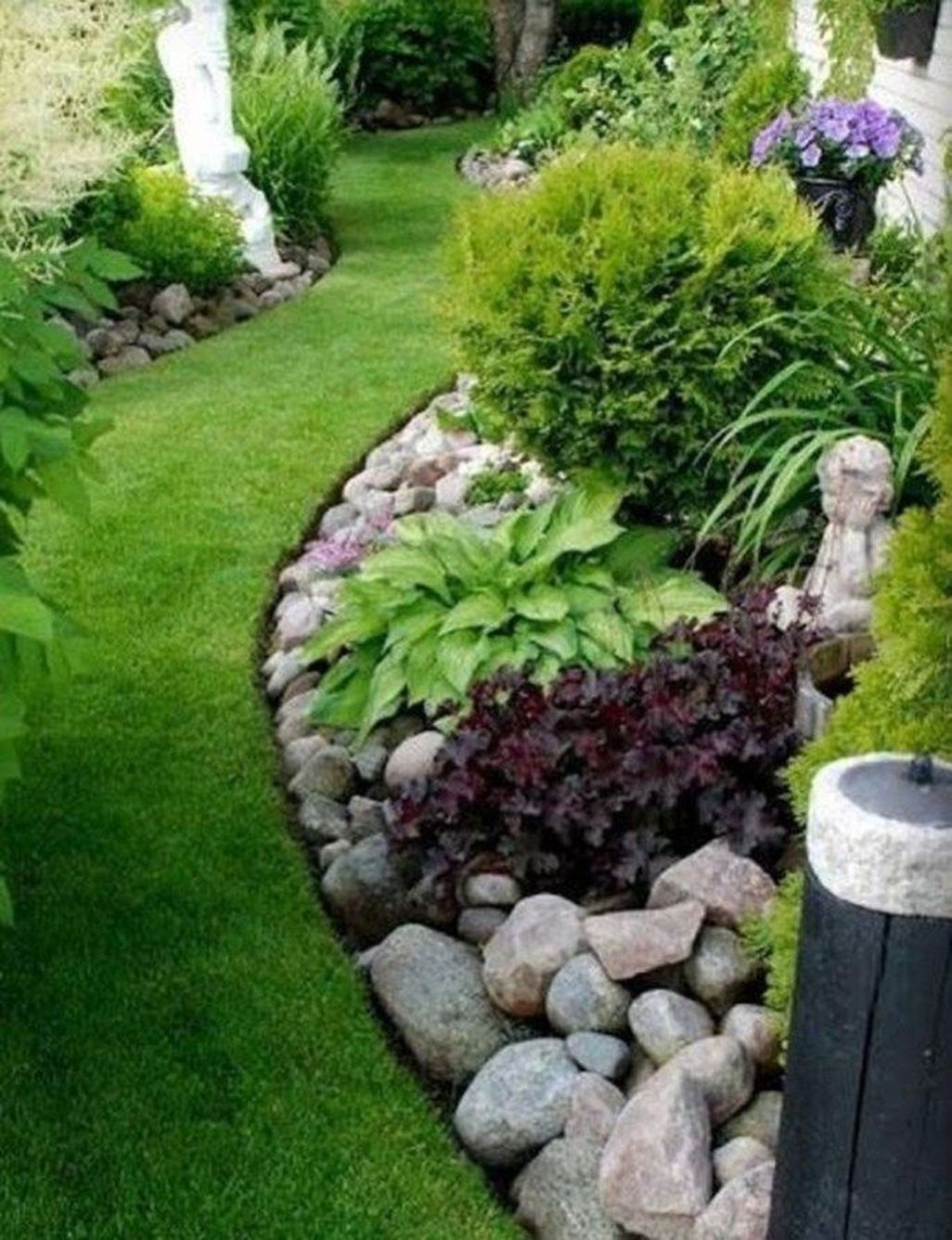 Easy And Low Maintenance Front Yard Landscaping Ideas 34