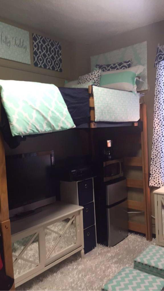 Efficient Dorm Room Organization Decor Ideas 14