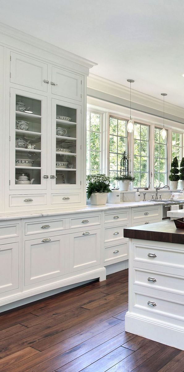 Elegant And Modern Kitchen Cabinet Design Ideas 02