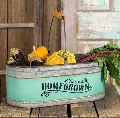 Elegant Farmhouse Garden Décor Ideas 11