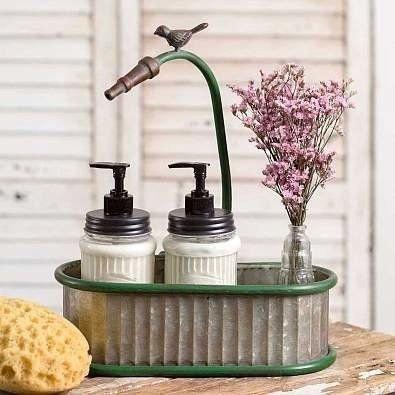 Elegant Farmhouse Garden Décor Ideas 17