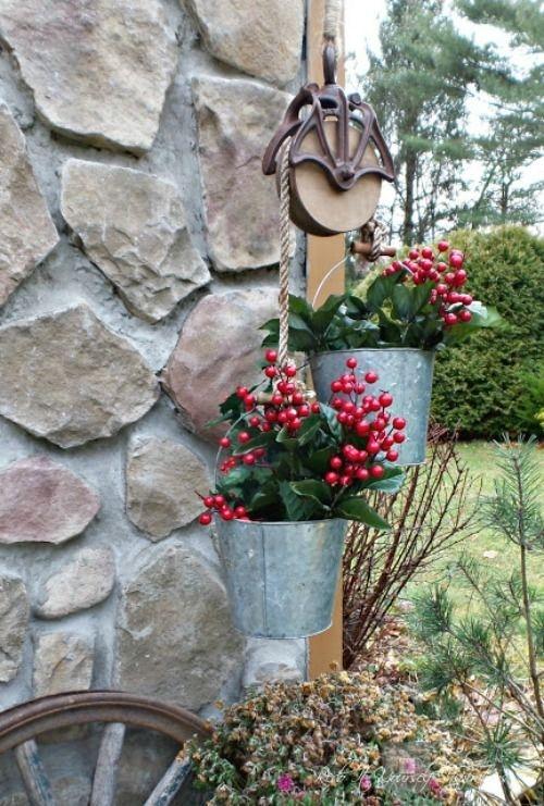 Elegant Farmhouse Garden Décor Ideas 33