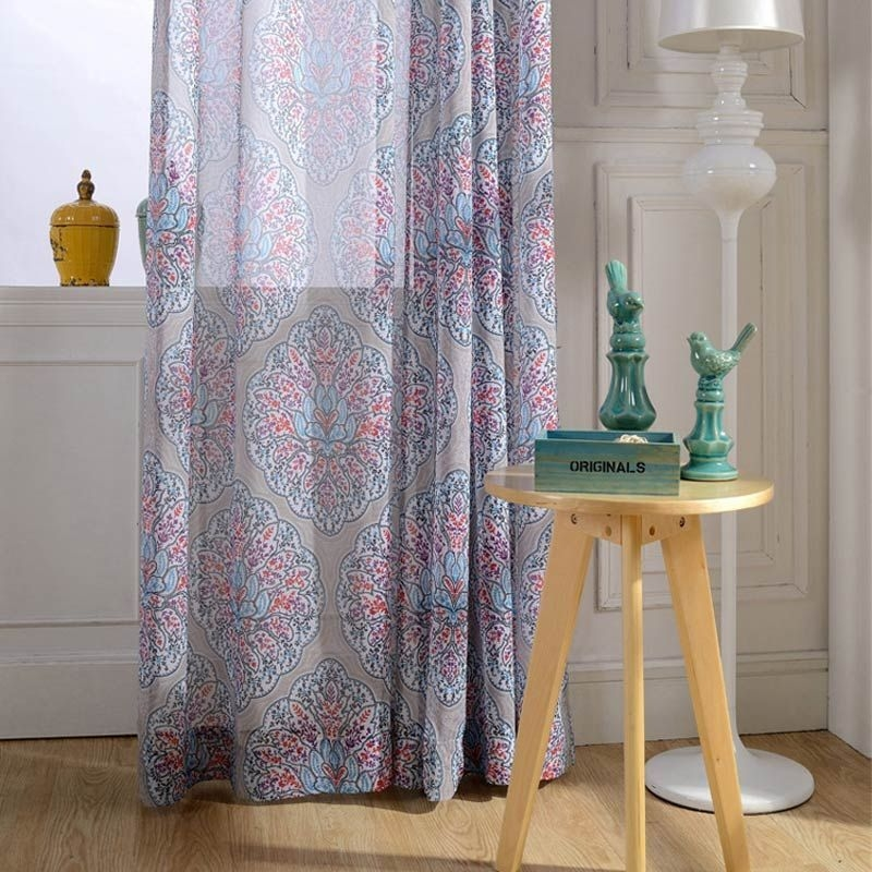 Modern Curtain Designs For Living Room 06