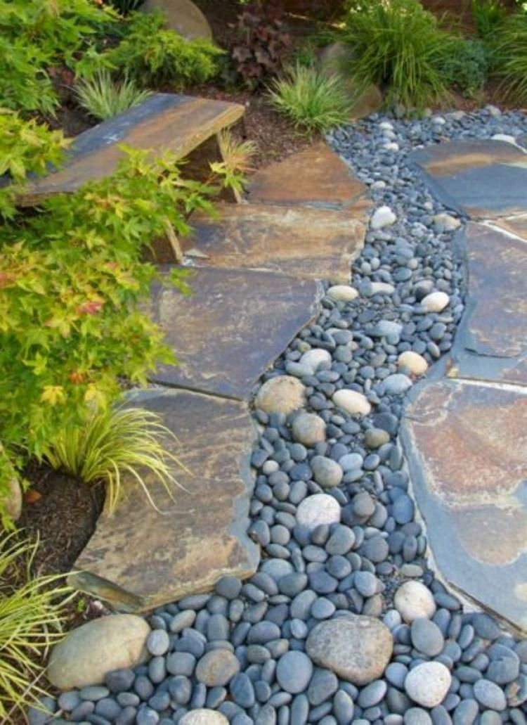 RSimple Rock Garden Decor Ideas For Front And Back Yard 31