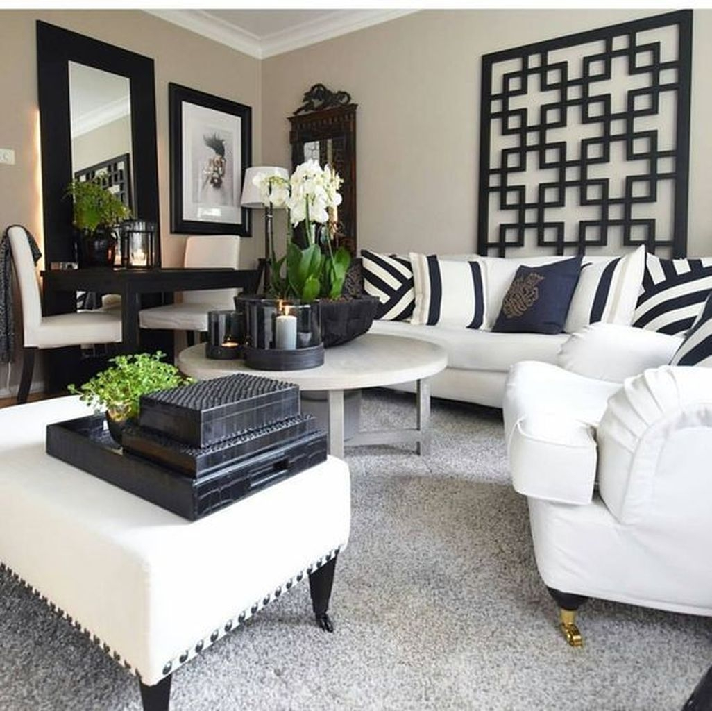 Relaxing Black And White Apartment Décor Ideas 08