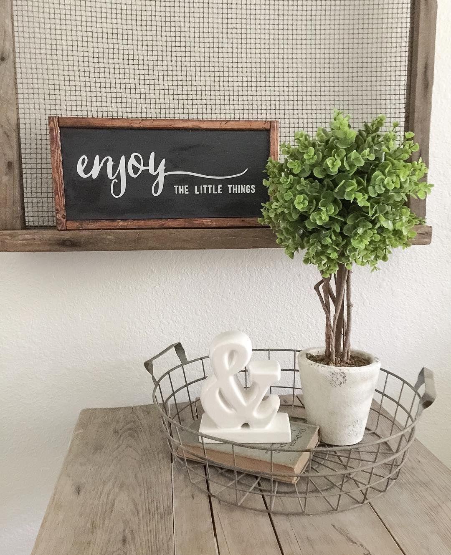 Relaxing Green Office Décor Ideas 30