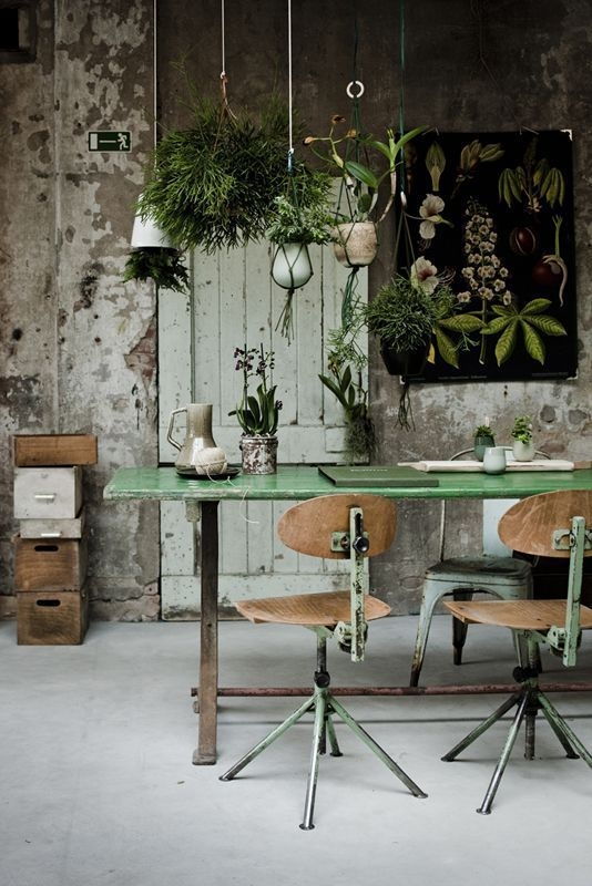 Relaxing Green Office Décor Ideas 32