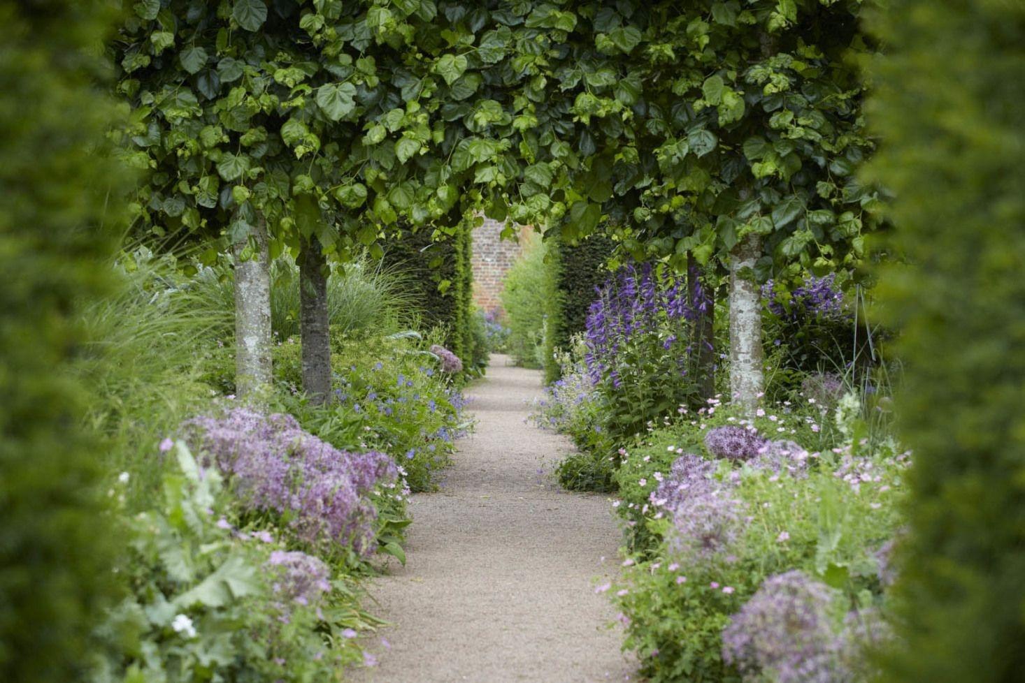 Relaxing Small Garden Design Ideas 06