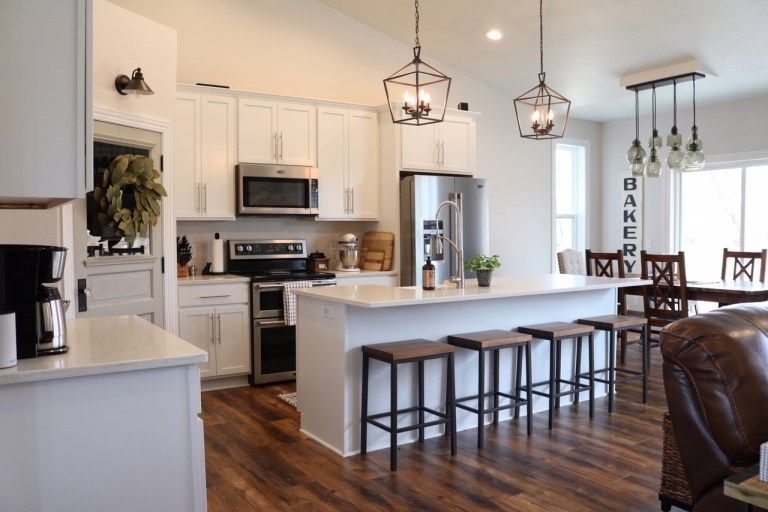 Comfy And Casual Farmhouse Home Design Ideas 26