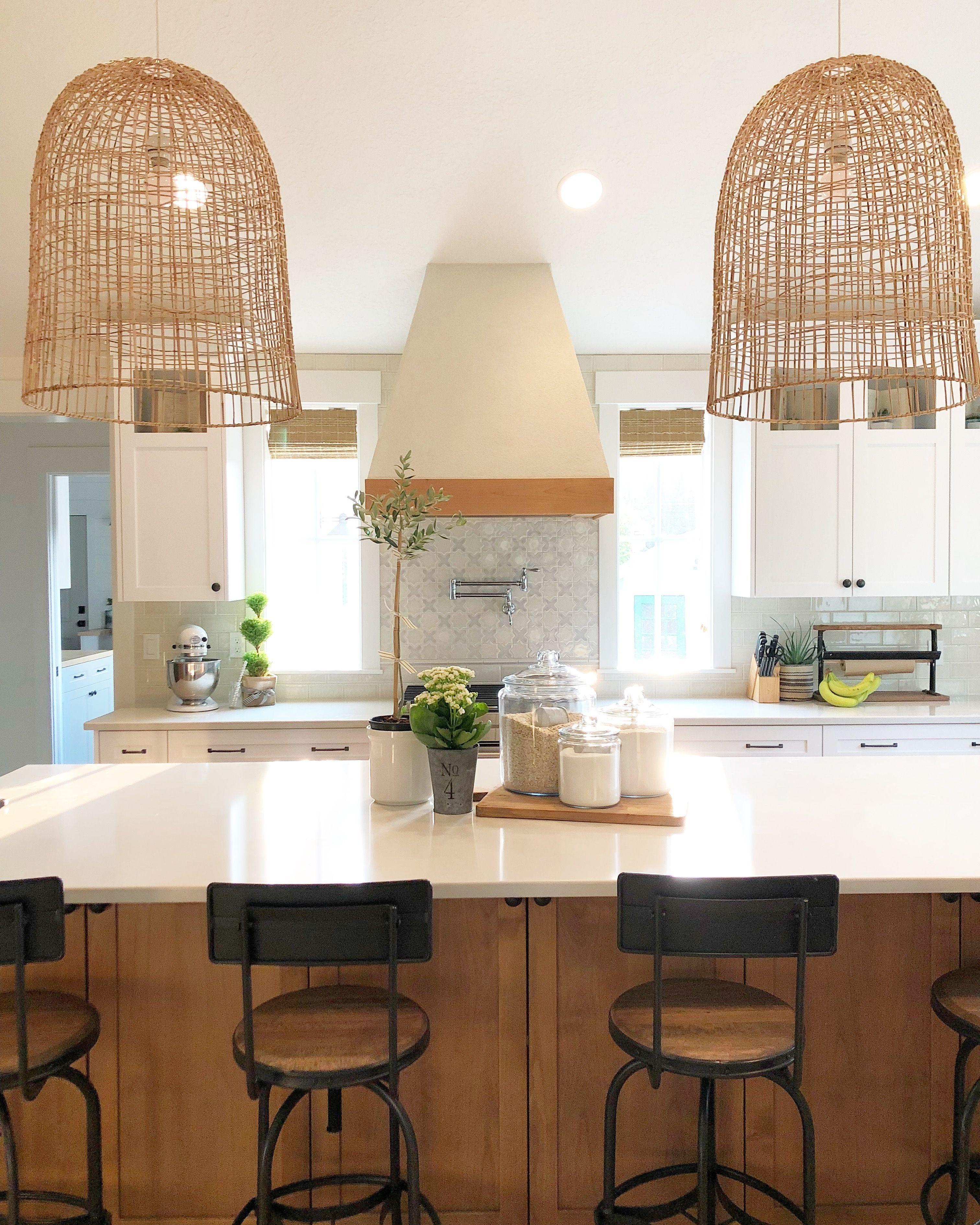 Comfy And Casual Farmhouse Home Design Ideas 27