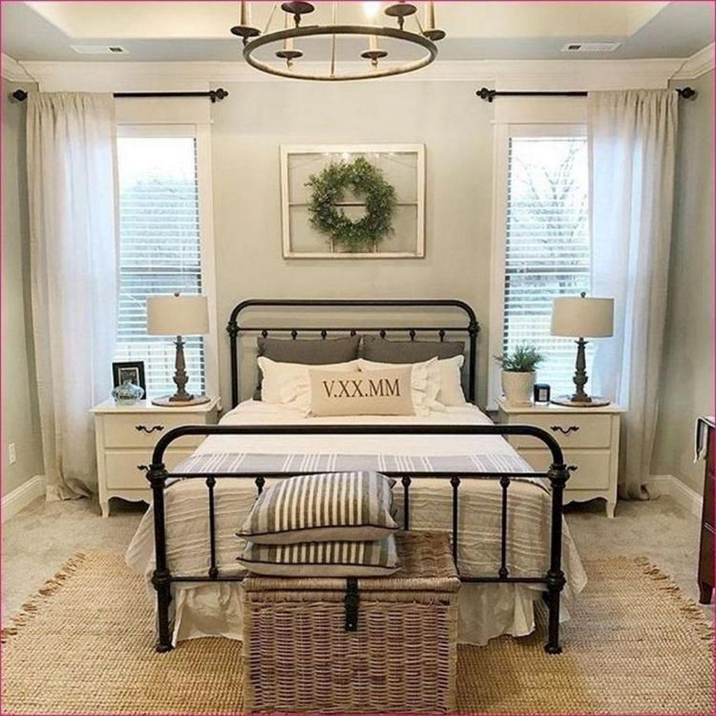 Lovely Small Master Bedroom Remodel Ideas 24