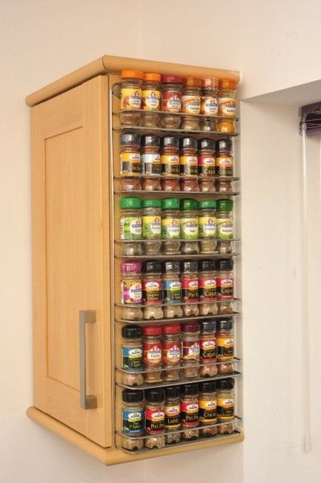 Incredible Kitchen Cabinet Design For Small Spaces 05