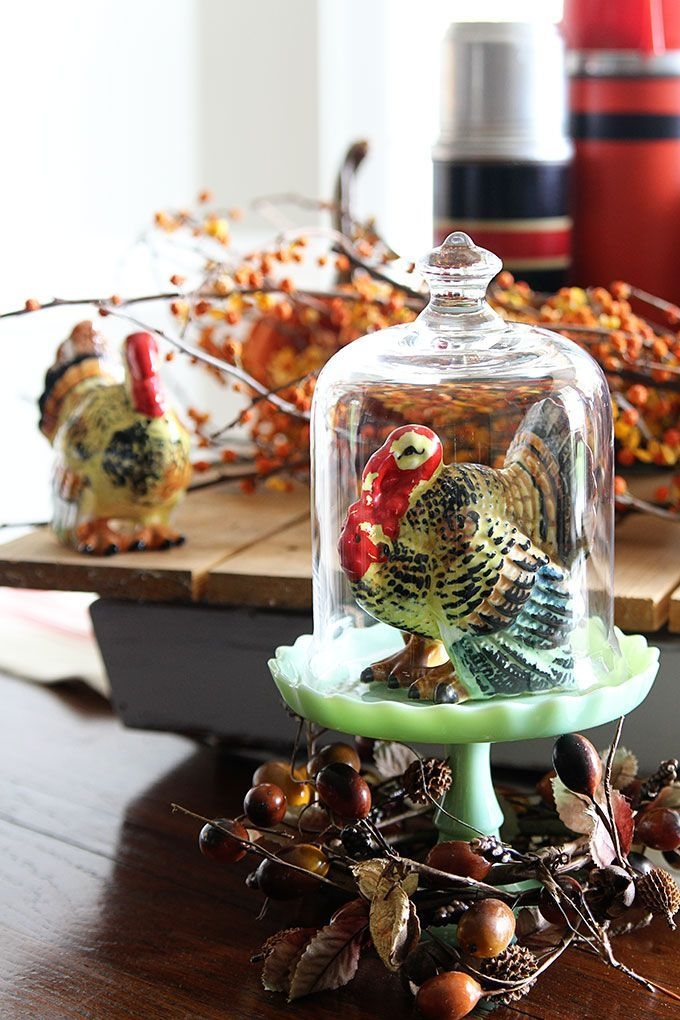 Lovely Turkey Decor For Your Thanksgiving Table Ideas 03