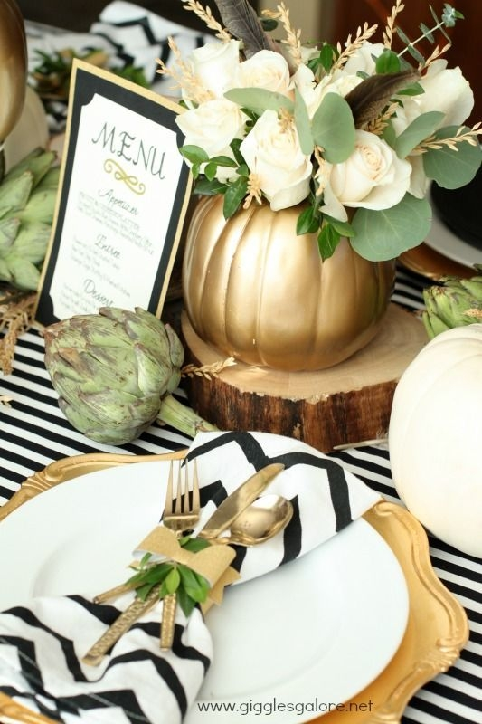 Lovely Turkey Decor For Your Thanksgiving Table Ideas 04
