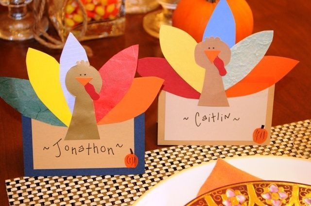 Lovely Turkey Decor For Your Thanksgiving Table Ideas 05