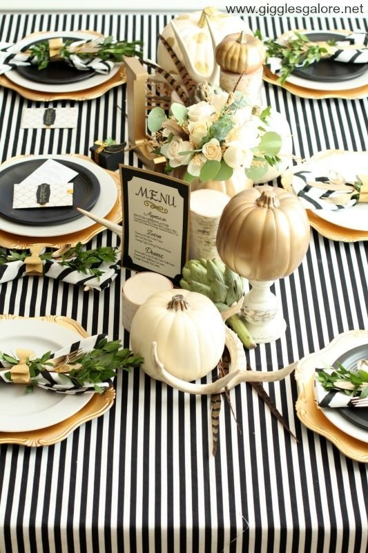 Lovely Turkey Decor For Your Thanksgiving Table Ideas 21