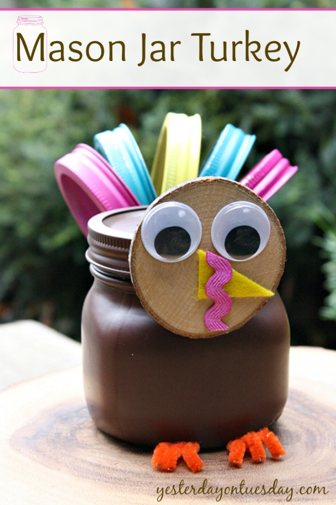 Lovely Turkey Decor For Your Thanksgiving Table Ideas 27