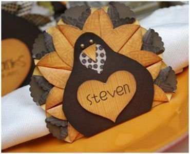 Lovely Turkey Decor For Your Thanksgiving Table Ideas 43