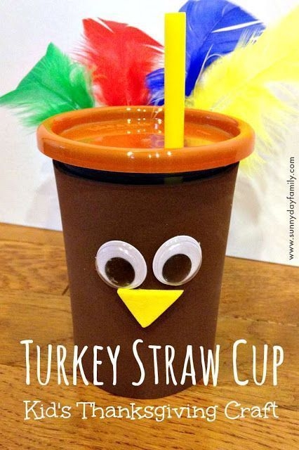Lovely Turkey Decor For Your Thanksgiving Table Ideas 45
