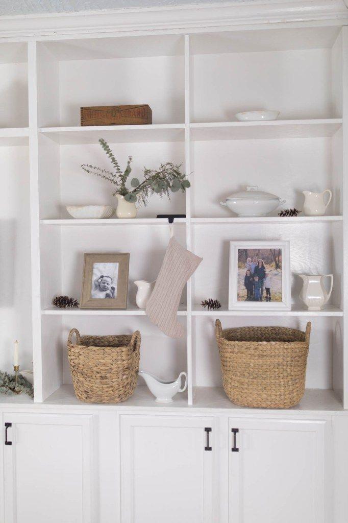 Minimalist Bathroom Winter Decoration Ideas 24
