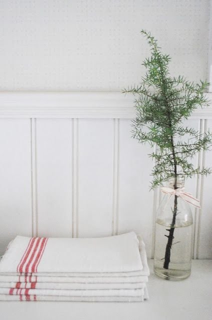 Minimalist Bathroom Winter Decoration Ideas 49