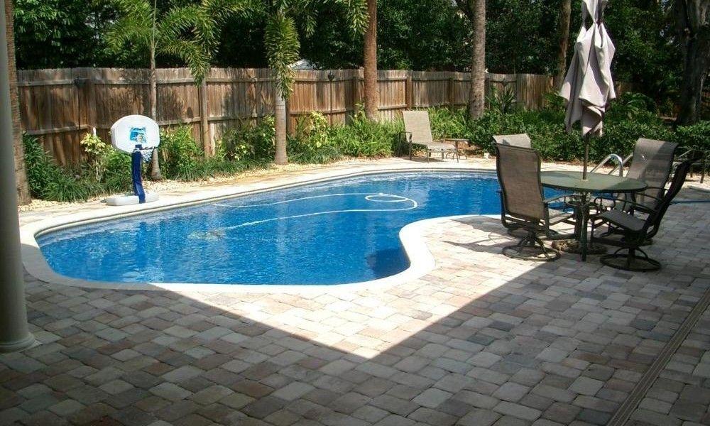 Modern Small Backyard Ideas With Swimming Pool Design 12