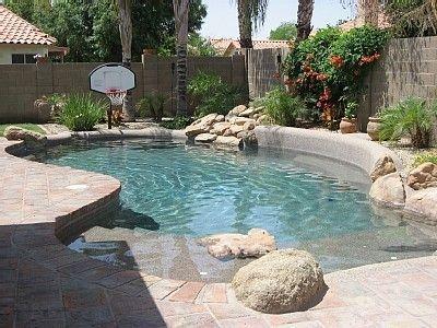 Modern Small Backyard Ideas With Swimming Pool Design 36