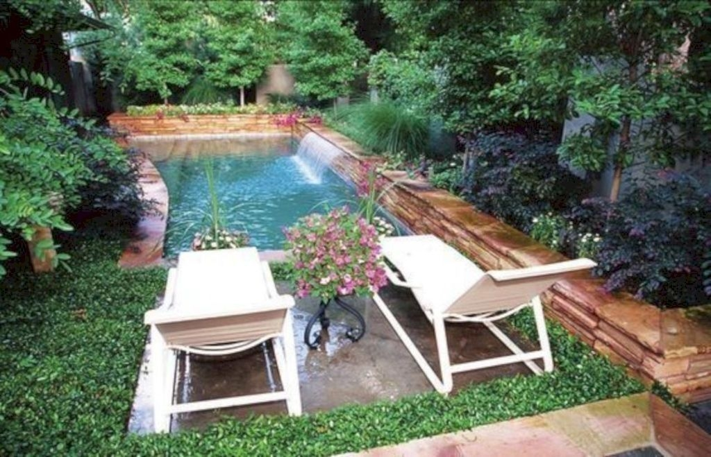 Modern Small Backyard Ideas With Swimming Pool Design 41