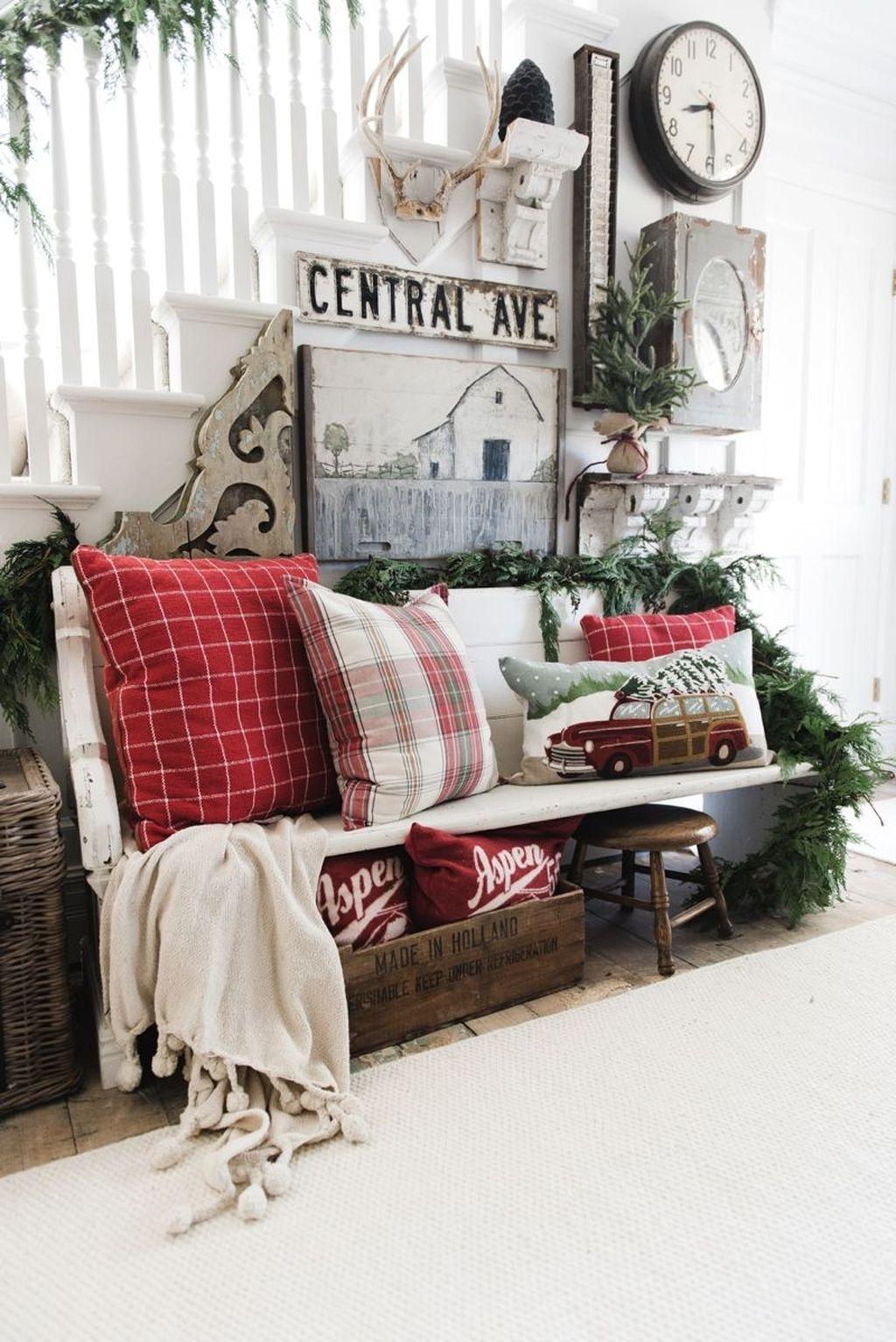 Stunning Winter Decoration Ideas 27