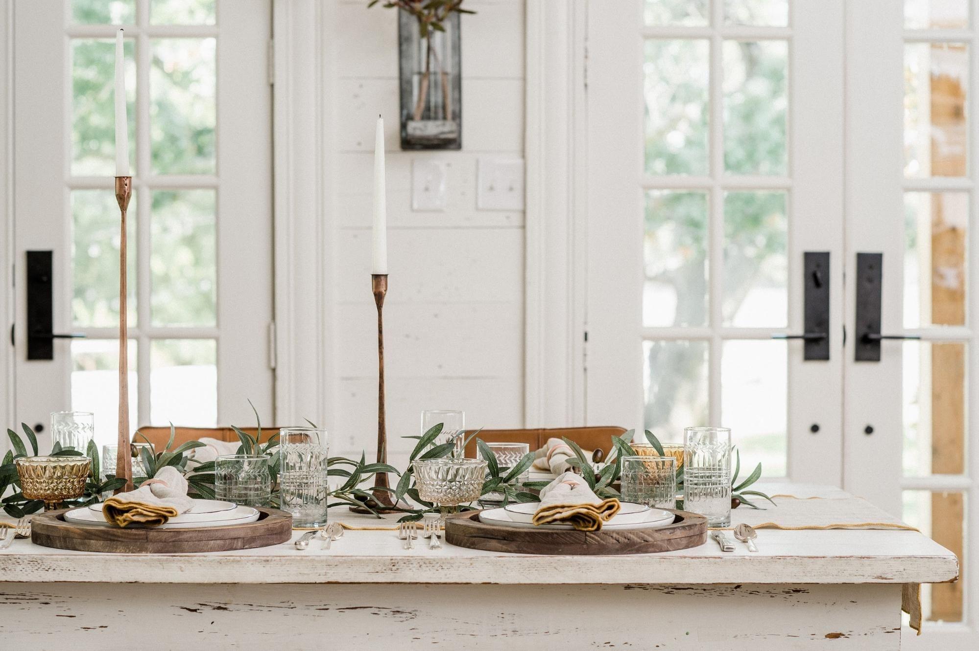 Stylish Thanksgiving Table Ideas 11