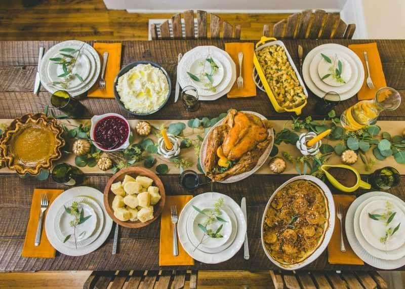 Stylish Thanksgiving Table Ideas 13