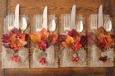 Stylish Thanksgiving Table Ideas 16