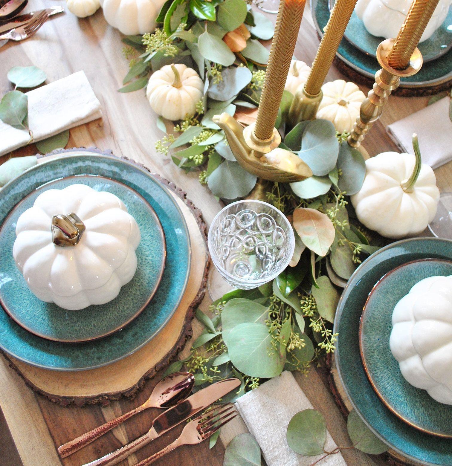 Stylish Thanksgiving Table Ideas 18