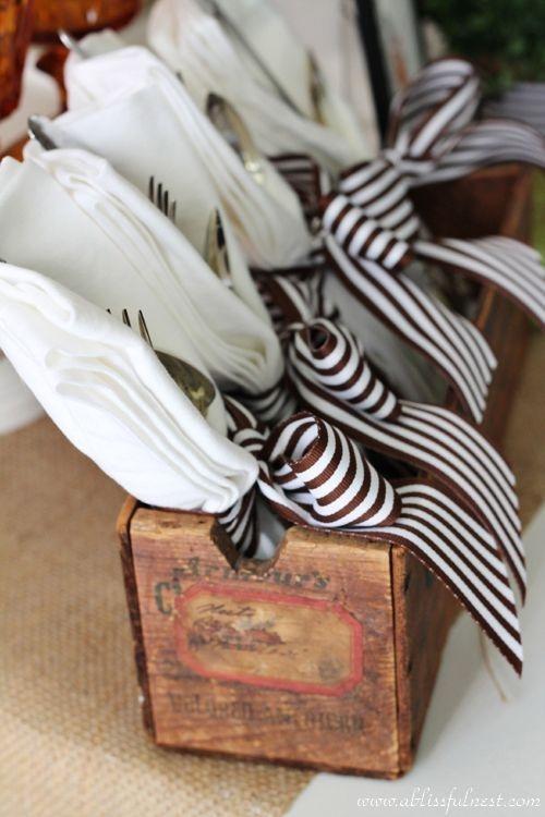 Stylish Thanksgiving Table Ideas 26