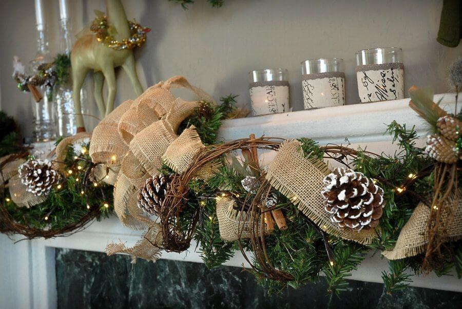 Creative Rustic Christmas Fireplace Mantel Décor Ideas 25