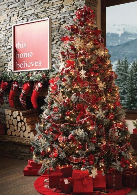 Easy Christmas Tree Decor With Lighting Ideas 02