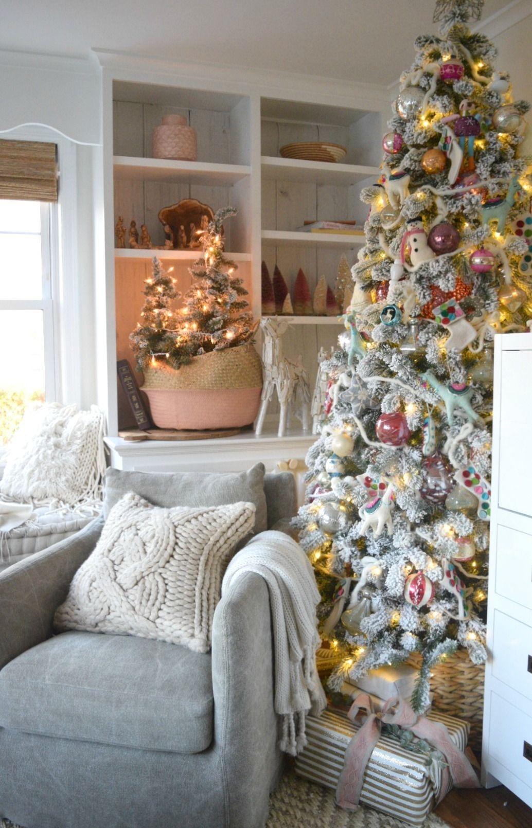 Easy Christmas Tree Decor With Lighting Ideas 08