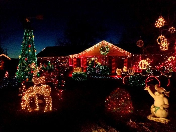 Easy Christmas Tree Decor With Lighting Ideas 41