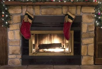 Fabulous Rock Stone Fireplaces Ideas For Christmas Décor 37