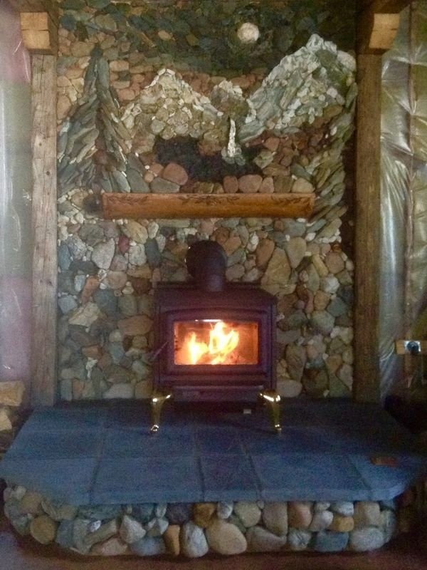 Gorgoeus Rustic Stone Fireplace With Christmas Décor 07