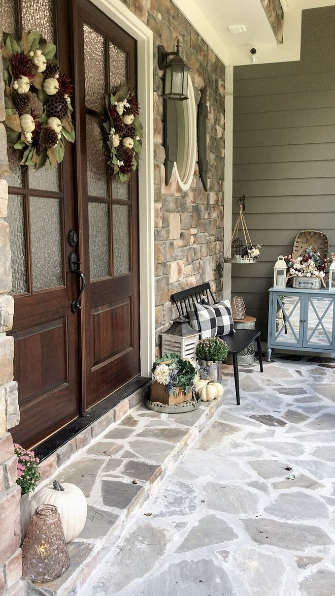 Lovely Farmhouse Christmas Porch Decor And Design Ideas 01