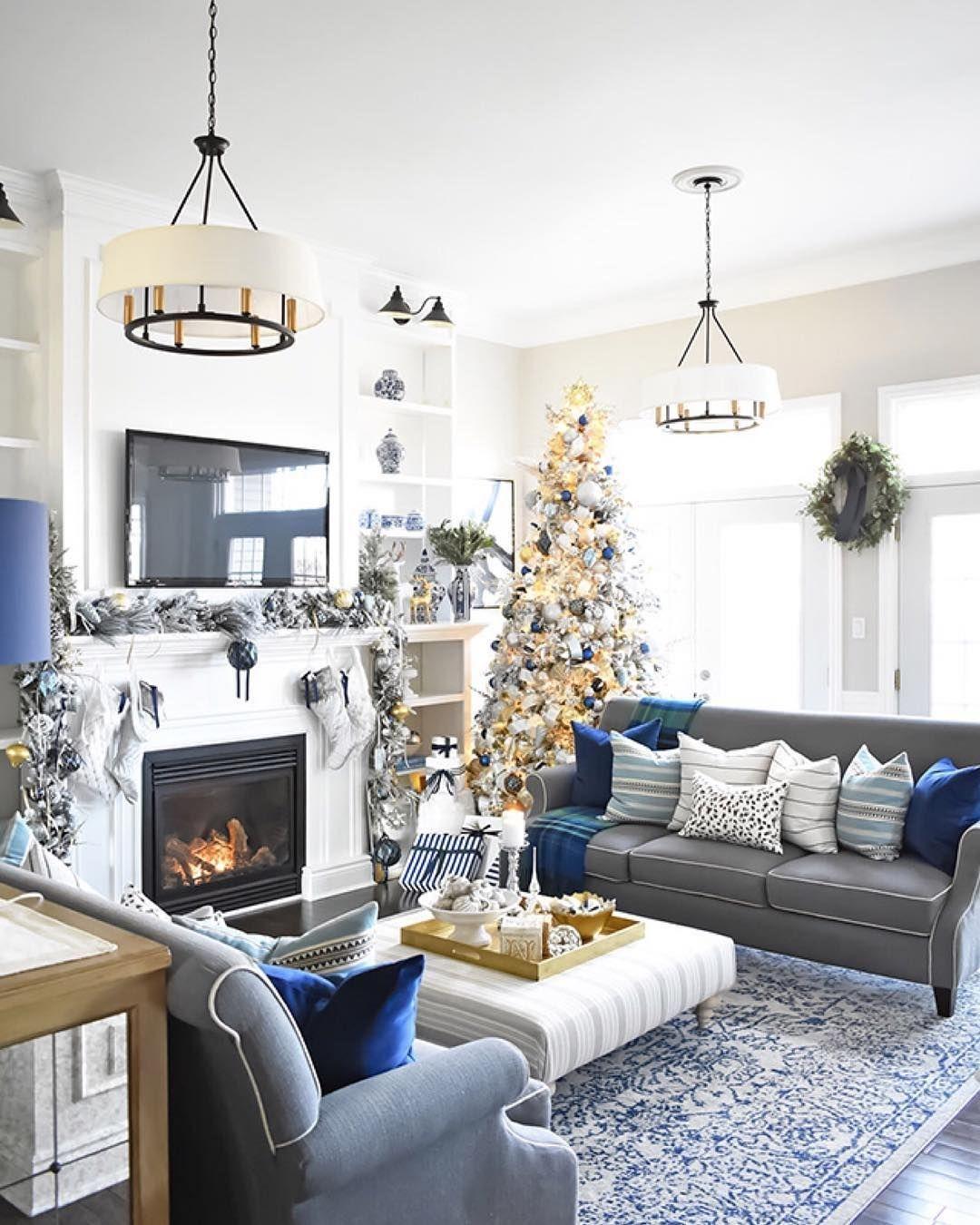 Lovely Farmhouse Christmas Porch Decor And Design Ideas 23