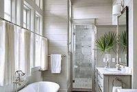 Luxurious Small Master Bathroom Design Ideas 42